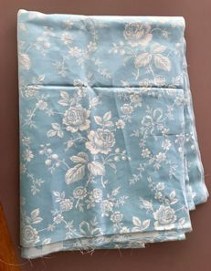 long fabric cover fleur bleue from 1950
