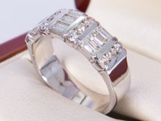 1.48 Ct fine diamond / brilliant ring - No Reserve price!