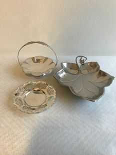 3 silver plated chocolate dishes by St Etoy from Breda 1910