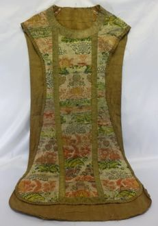 A fiddle silk espolin and goldish trimmings chasuble - Mass Vestments - Spain - 18th century