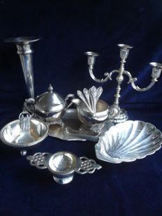 Lot of 9 heavily silver plated, utensils