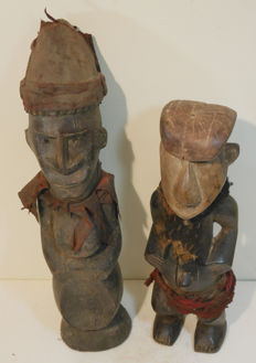 From collector's estate - 2 items Old rare, soothsayer figure, - Urhobo - Nigeria, old sculpture - Ngbaka - DR Congo - Africa