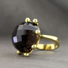 Yellow gold ring (750‰) with smoky quartz, size 13