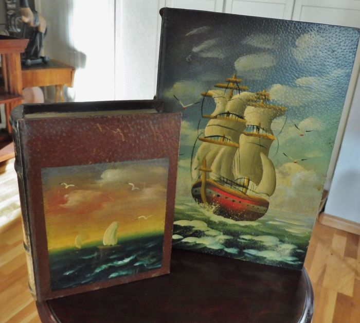 Book simulant large format and 1 smaller with ships (2) - Wood, oil paint