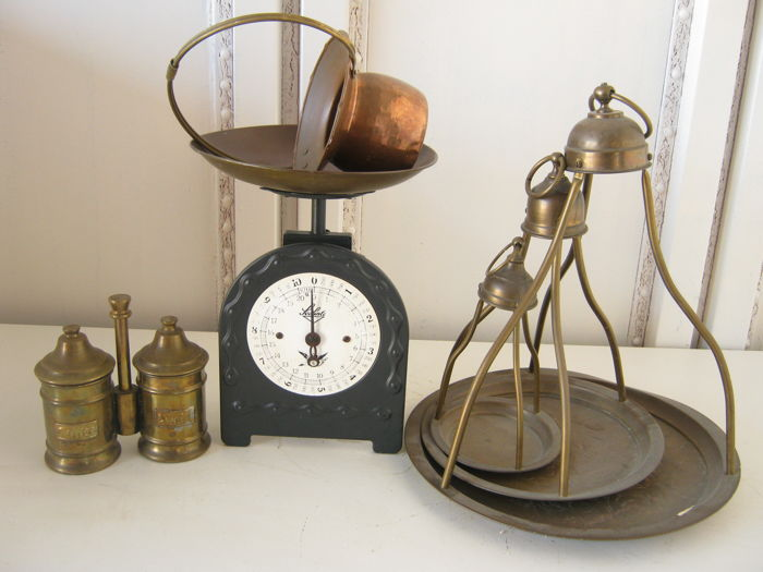 6 kitchen accessories including 1 Soehnle scale, brass coffee ...