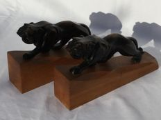 Art Deco style bookends, beautiful pair of sculpted wooden lions, first half 20th century