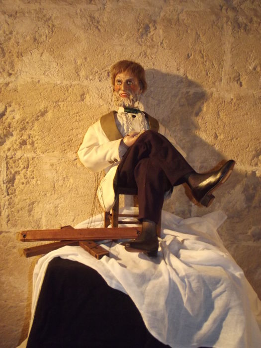Perna brothers, Neapolitan puppeteers, puppet depicting a fop, unsigned, donation between puppeteers - Alder wood - Naples - Italy - 1950s - unique piece