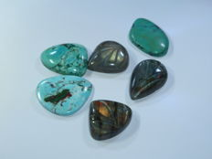 3 Arizona turquoise Cabochon, 3 Carving Labradorite - 171.5 ct