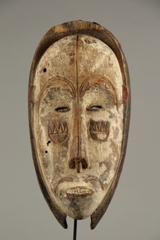 Ngil helmet mask - FANG - Gabon - Masks of Gabon