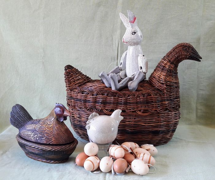 Vintage Easter decorations Wooden Easter Bunny, large wicker ...