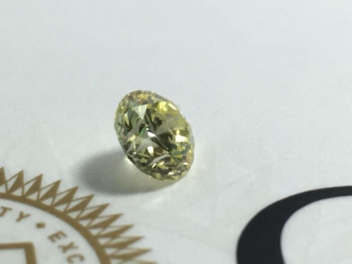 Brilliant cut diamond 0.54 ct Y to Z Range  VS2 with GIA certificate