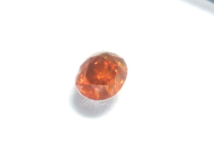 Brownish orange diamond gemstone, 0.11 ct - IGI certificate