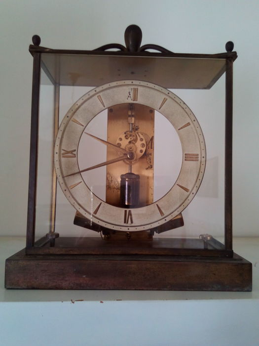 Pendulum table clock – Made in Germany