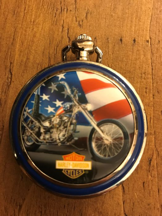 "Harley Davidson ""ULTIMATE CHOPPER"" Collectors pocket watch on stand - Franklin Mint"