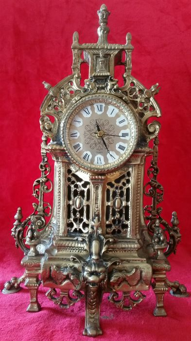 Beautiful clock in bronze alloy, 20th century