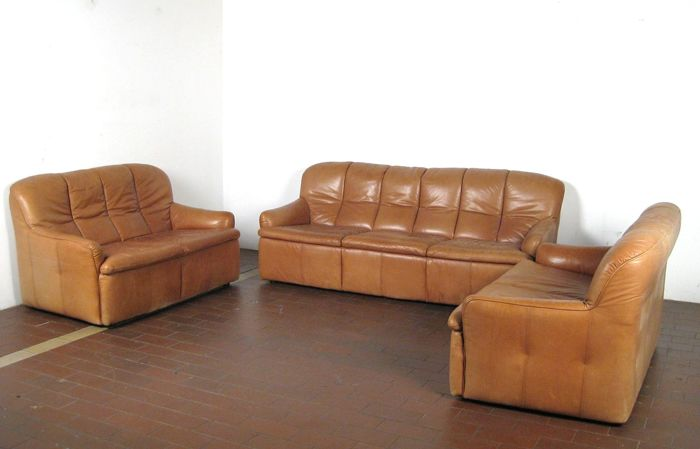 Astonishing Manufacturer Unknown Luxuriously Designed Vintage Sofa Set 3 Seat And 2X 2 Seat In Cognac Leather Catawiki Caraccident5 Cool Chair Designs And Ideas Caraccident5Info