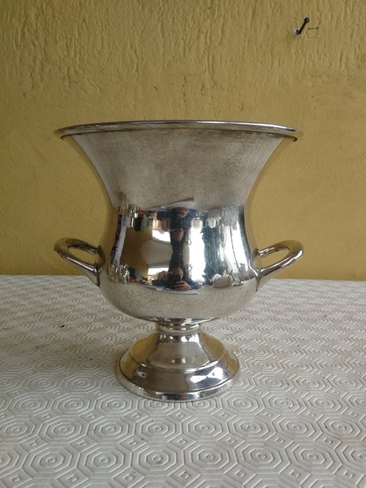 Large silver plated bell-shaped ice bucket, ca. 1950