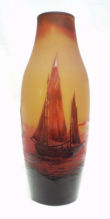 Paul Nicholas for d'Argental - Cameo glass vase with etched decor