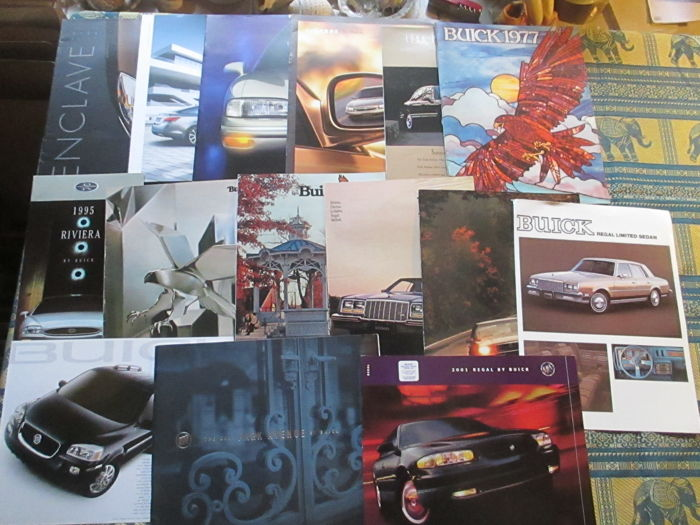 Car brochures (Buick, 15x, 1977-2008)