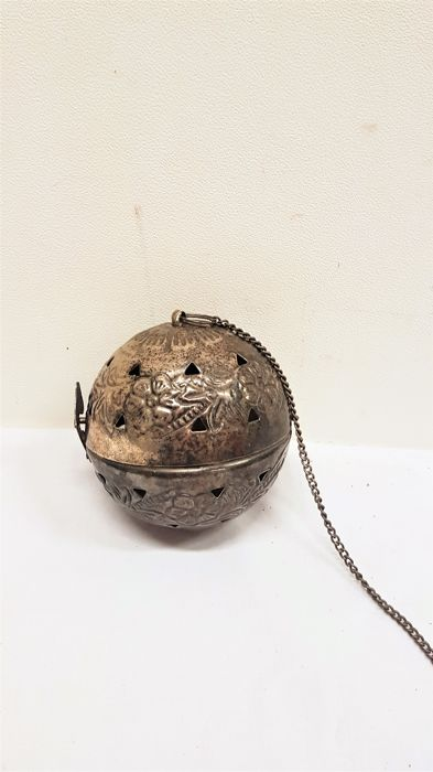 Silver plated incense ball / incense sling with floral decor