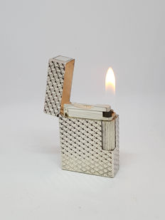 ST Dupont lighter with diamond tips