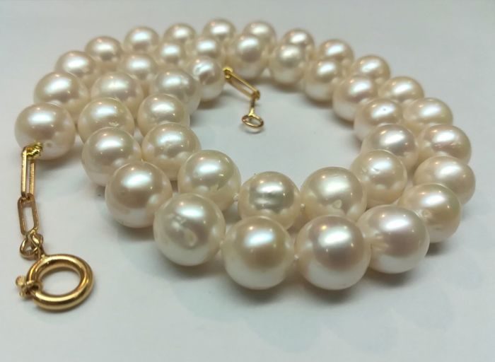 Baroque pearl necklace fresh water 10.5 mm with gold clasp