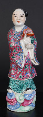 Famille rose immortal figure - China - early 20th century (Republic period)