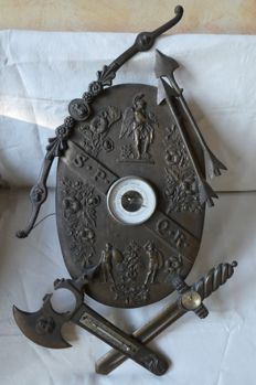 Roman SPQR Shield in Cast Bronze, Wood and Metal alloy with Barometer, Compass and Thermometer - Italy