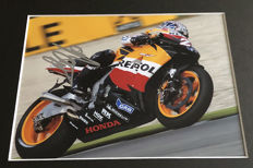 Framed photo, authentic and personally hand signed by Dani Pedrosa