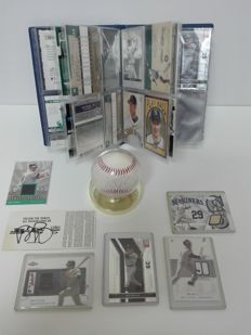 Baseball - Brett Boone signed baseball + Signed ticket and lot of trading cards and limited editions