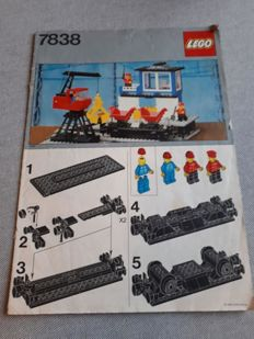 Lego Trains - 7838 - Freight Loading Depot with Wagon