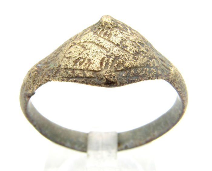 Early Medieval bronze Viking ring with Runic Script on bezel - 21 mm