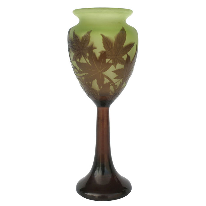 Emile Gallé (1846-1904) - Rare chalice vase with a decor of maple leaves