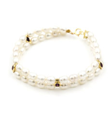 18 kt yellow gold - Oval-cut rubies 1.00 ct - Freshwater pearls 6 mm