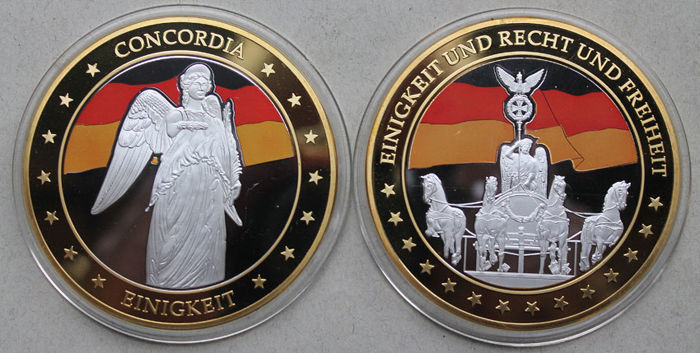 Germany - giant medals 2013 - Gold application with colour print