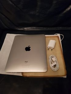 Ipad 1 - wifi -  32 GB, first generation with cover