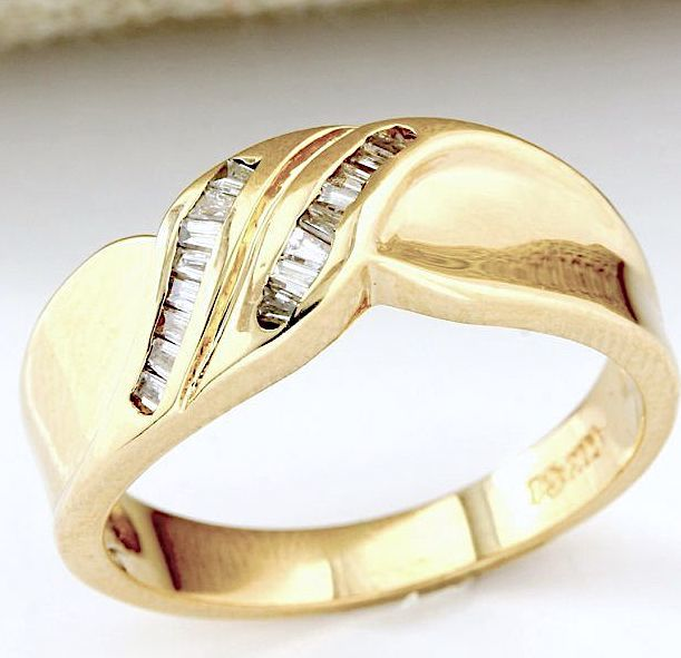 14kt Yellow Gold Ring 0.18 ct Diamond, Ring Size  - 7