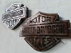 Lot composed of 2 H-D Bar & Shield logos, Iron mounted on Wood in Vintage Garage Style