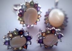 Women's cocktail set - Pendant, earrings, ring - With a central white opal - 1980