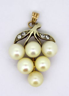 14K Gold Pendant With Cultured Pearls and Diamonds, C.1970's
