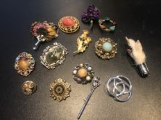 Collection 14 vintage signed Scottish themed brooches