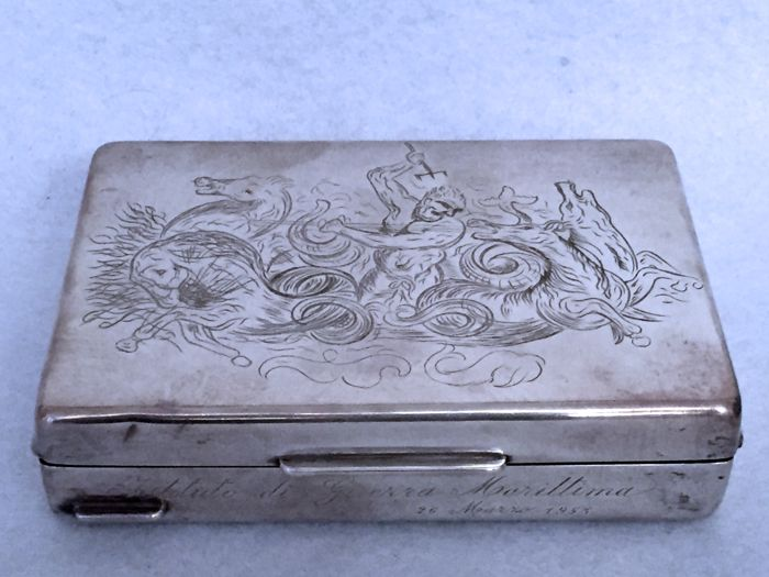 Silver cigarette case, chiselled and decorated with a mythological scene - Italy, 20th century