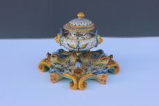 Cantagall - Hand-painted majolica inkwell, Florence, second half of the 1800s