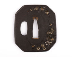 Iron tsuba - Brass, copper and silver inlay - Flower design - Japan - 18th/19th century