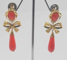 18 kt white gold earrings - Red corals - Length: 5 cm