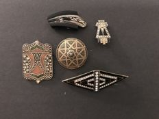 5 old brooches