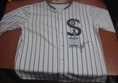 Shirt of the movie (eight men out) (1988) signed by the protagonist john cusack with certificate