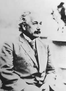 Sconoscuito/AIP/Neils Bohr Library - Albert Einstein, ca. 1920's/1930's & Sconosciuto/Library of Congress - Mark Twain, 1900's