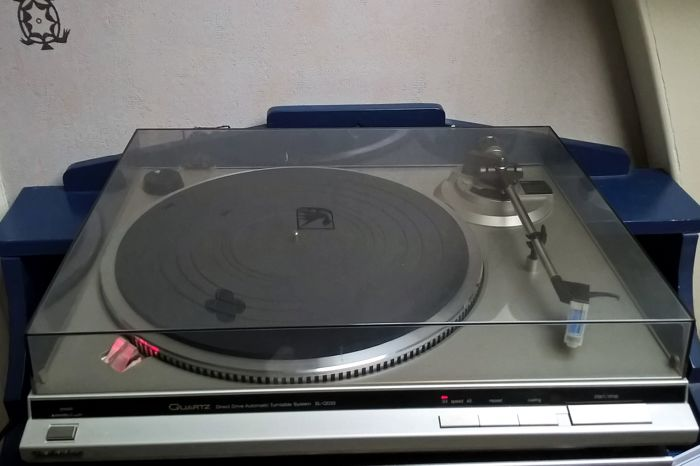 Technics SL-QD33 direct drive  draaitafel met EPC-P30 element