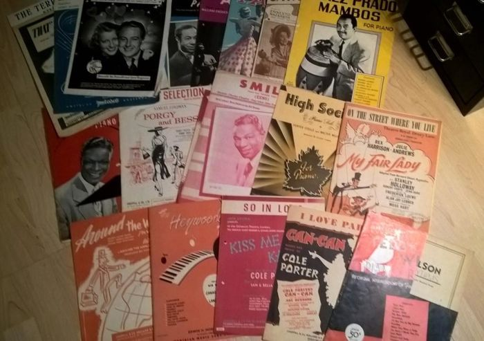 Original collection of old (Forties/Fifties) sheet music in popular genre
